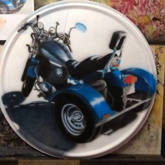Angelas Airbrushing Trike Outrigger on Drum Lid