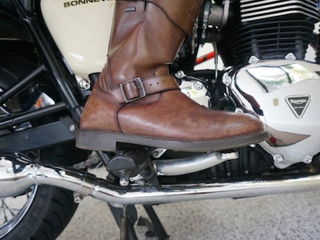 Motorcycle Instruction Foot Pegs
