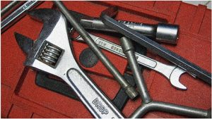 10 most essential motorcycle tools
